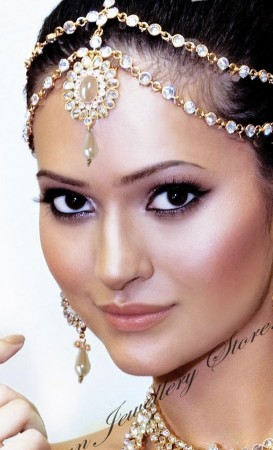 ANUSHKA Matha-Patti DGWA03321