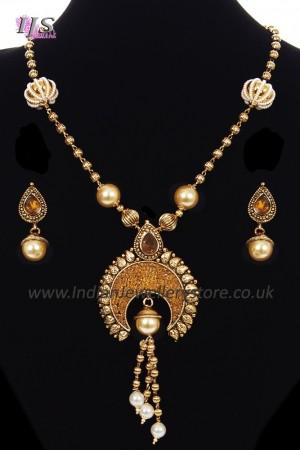 Gujarati Pendant Jewellery Set NANL11499