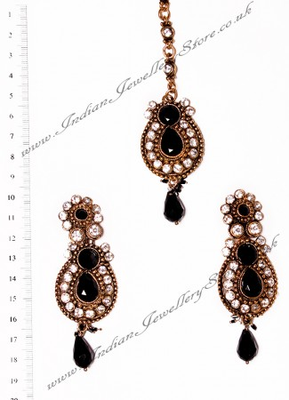RAJNI Earrings and Tikka IABC02668