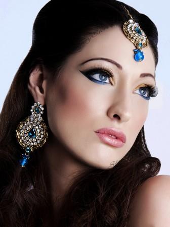 Ayeesha Earrings and Tikka IALC02688