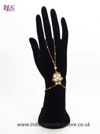 1 x Modern 22k Gold Plated Kundan Ringless Indian Hand Jewellery HEWK11412