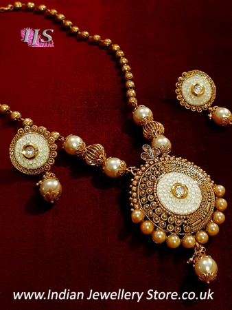 Indian Jewellery UK - Pearl Pendant Set