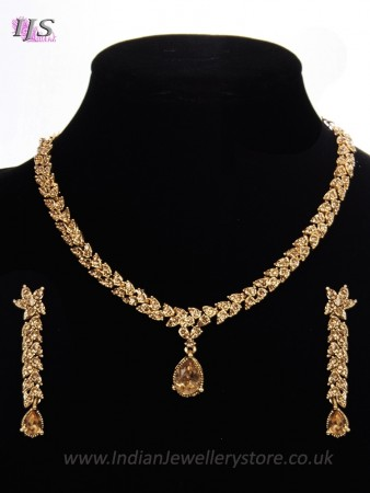 Delicate Gold Crystal Jewellery Set - Arishia NANC11339