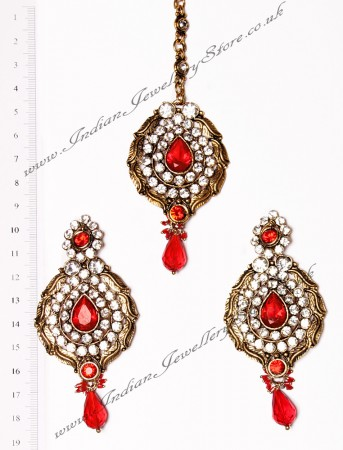 Ayeesha Earrings and Tikka IARC02685
