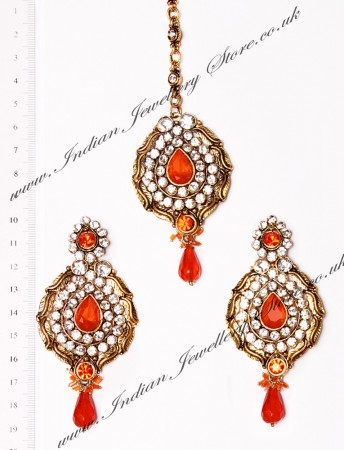 Ayeesha Earrings and Tikka IAOC02681