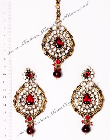 Ayeesha Earrings and Tikka IARC02684