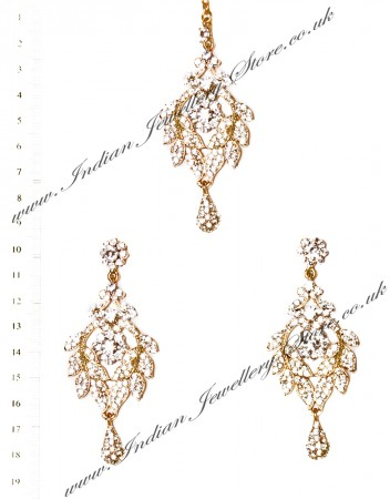 Yashi Earrings and Wider Tikka IAWC03565