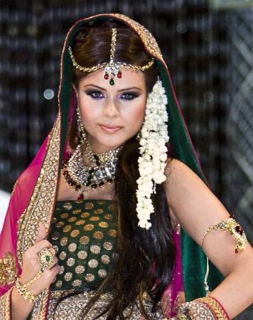 Designer Kundan Bridal Set NGAK03244