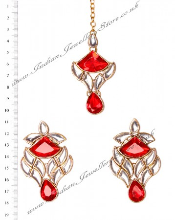 MADU Earrings and Tikka IGRK02649