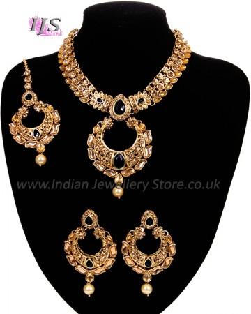 Asian Chand Design Pendant Necklace Set - Black NAKC10928