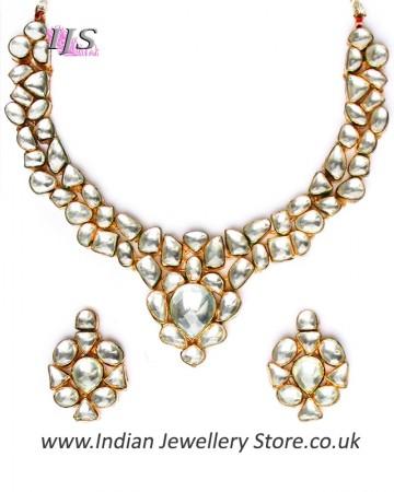 White Kundan Collar Necklace & Studs NEWK10988