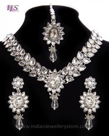 Silver Kundan Flower Necklace Set NSWK11486