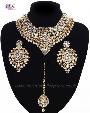Statement Kundan Collar Necklace Set - neutral clear NAWK11524