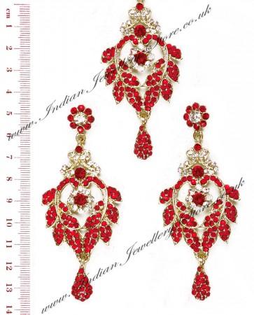 Yashi Earring and Wider Tikka IARC04257