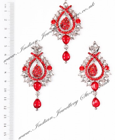 KIA Earrings and Tikka ISRC04091