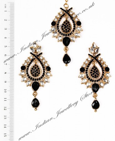KIA Earrings and Tikka IABK04372