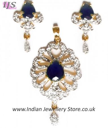 Delicate Indian Pendant NGWA10553C