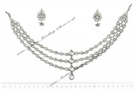 Priyanka Chopra Inspired Matha Patti and Earrings DSWA04609