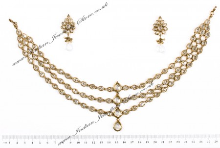 Priyanka Chopra Inspired Matha Patti and Earrings DAWA04610