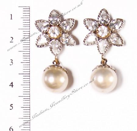 Flower Stud Pearl Earrings ESWA02923