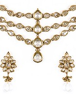 Priyanka Chopra Inspired Matha Patti and Earrings DAWA04610 Indian Jewellery
